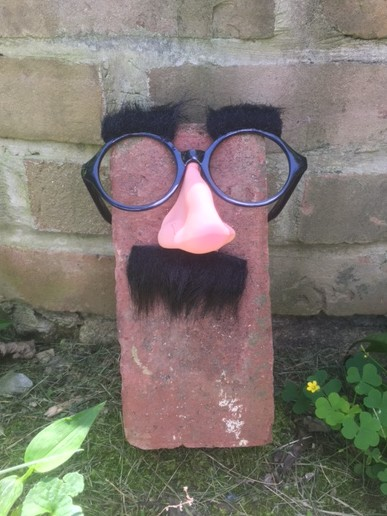 BrickVent.net brick with glasses and nose
